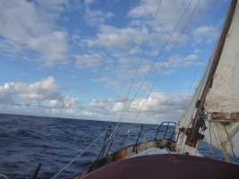 good weather north of the azores, atlantic. 2013